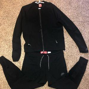 Nike Tech Sweat Suit